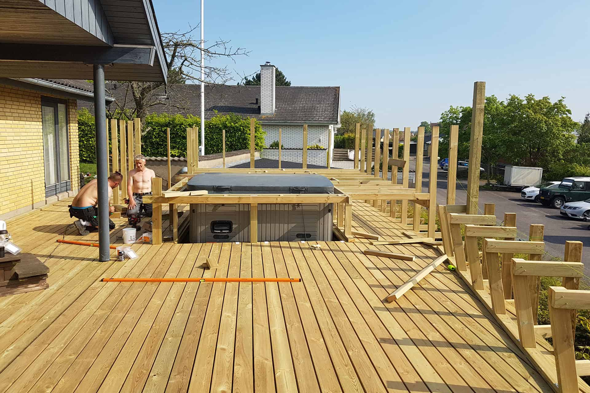 How to build a deck - decking