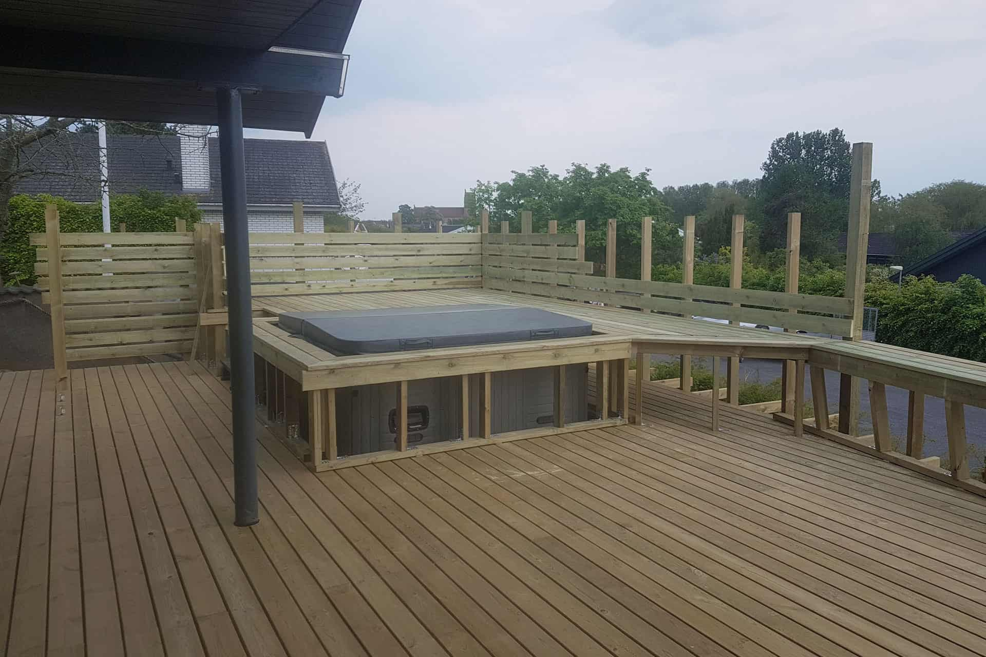 How to build a deck with lowered spa