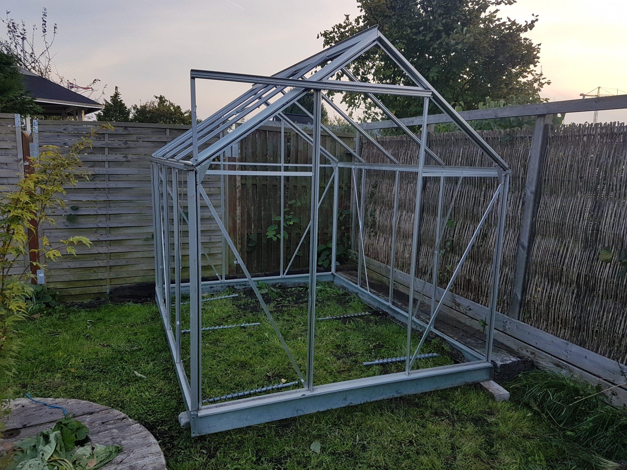Hvordan laver man fundament til drivhus