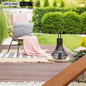 Byg-selv træterrasse, bygget med materialer fra GroundPlug® komplet byg-selv terrassepakke med træ af Cumaru.