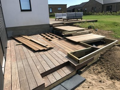 privat terrasse bygget med GroundPlug® skruefundamenter